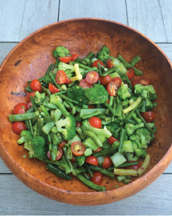 broccoli-green-bean-and-tomato-salad