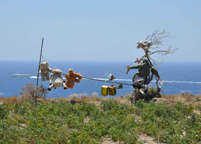 Scarecrow, Santorini